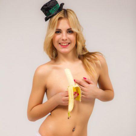 lili-banana-2