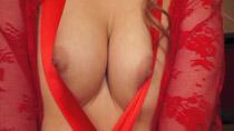 chloe-red-ribboncap-2